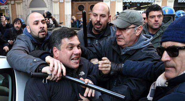 Roma, il leader di Forza Nuova Castellino arrestato per resistenza a pubblico ufficiale