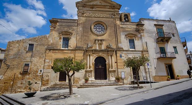 Architettura, giovani europei in Sicilia dal 2 al 12 agosto per studiare il caso-Sambuca, il paese delle case a un euro