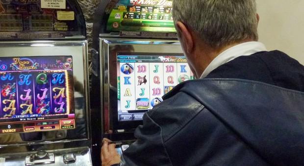 Gioco d'azzardo choc: in un anno polverizzati mille milioni di euro