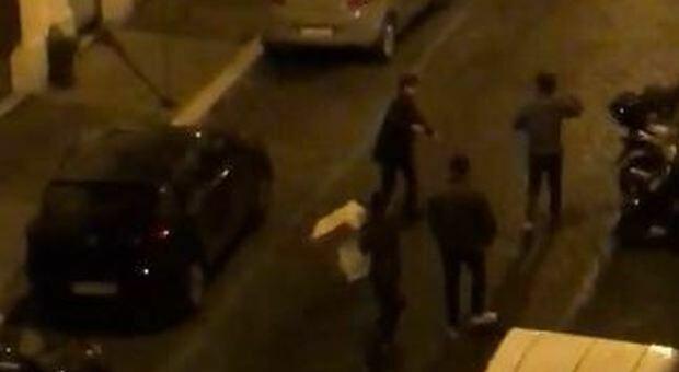 Catania, insulti social poi la rissa in strada con catene e mazze da baseball: 26 gravissimo