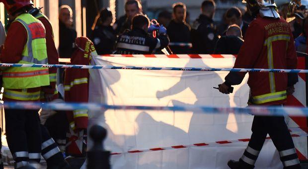 Marsiglia, spara e accoltella passanti: aggressore ucciso dalla polizia