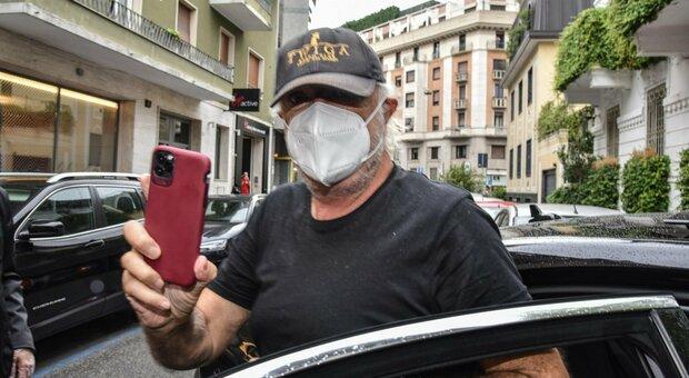 Briatore, oggi le dimissioni e il trasferimento dalla Santanché: «Non deve allontanarsi dal San Raffaele»