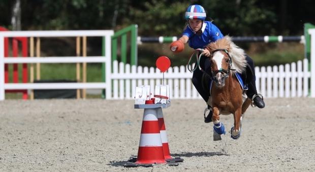 Mounted Games, da tutt'Italia e di tutte le età si sfidano in sella ai Pony a Pontedera