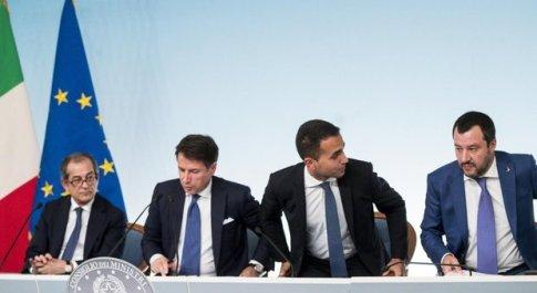 Giovanni Tria, Giuseppe Conte, Luigi Di Maio e Matteo Salvini