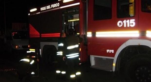 Roma, coppia incendia ufficio, ma resta ustionata gravemente: lui è in prognosi riservata