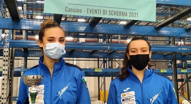 Le spadiste del Club Scherma Formia Elisa Treglia e Carlotta Retillo