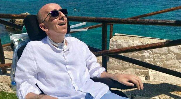 Bari, malato di Sla denuncia cure insufficienti e chiede l'eutanasia: «Vivere così è un'agonia»