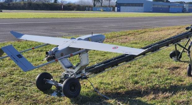 Un drone ad ala fissa per fronteggiare la piaga degli incendi: da Pisa decolla il Rapier con sensori a infrarossi