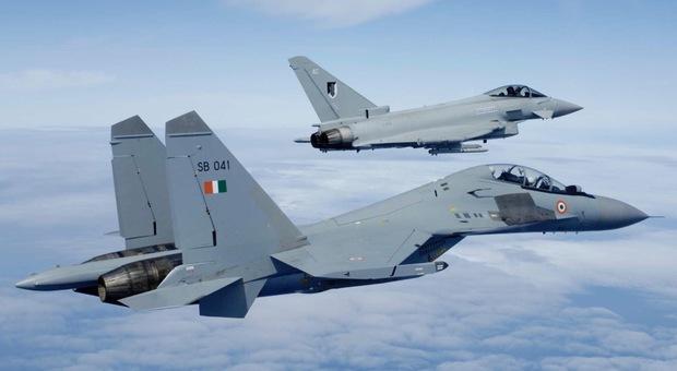 Due Eurofighter Typhoon dell'Aeronautica Militare