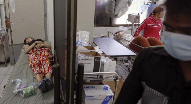Cambogia, operaie svengono a centinaia nelle fabbriche tessili che producono per le grandi griffe