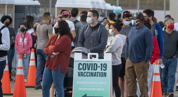 Vaccinati con la seconda dose, 246 positivi e 3 morti: lo strano caso del Michigan