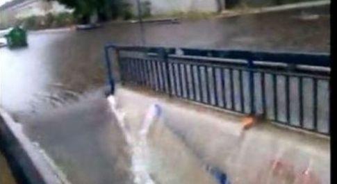 Maltempo, idrovore in tilt per i detriti. Ecco perché le stazioni metro si allagano