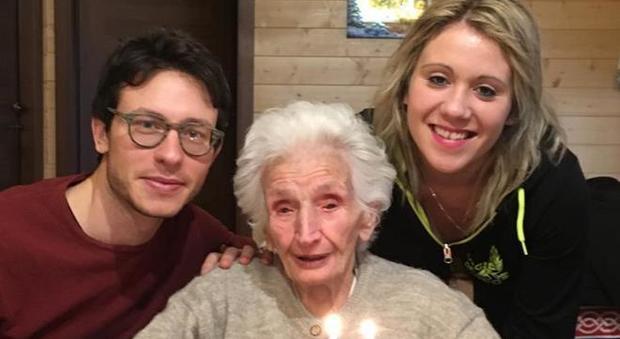 Nonna Peppina con i nipoti