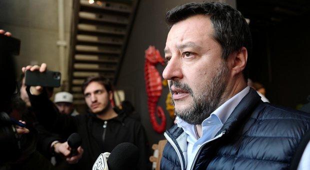 Coronavirus, Salvini: «Qualcuno ha dormito, chi ha sbagliato si dimetta». Scontro aperto con il premier