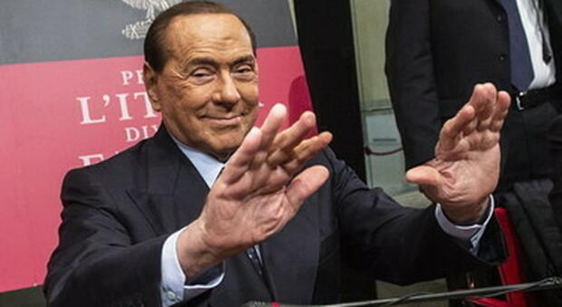 Silvio Berlusconi ricoverato a Monaco, «Problema cardiaco». Il medico Zangrillo: «Non era prudente portarlo in Italia»