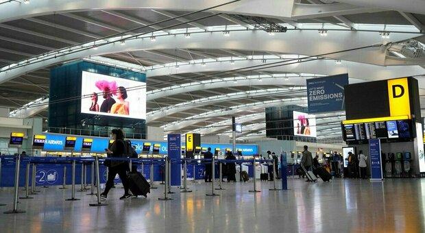 aeroporto di Medan: tamponi nasali lavati e riusati sui passeggeri. Cinque persone arrestate