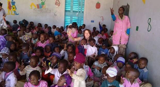 Napoli, prosegue la raccolta fondi del burattinaio Adriano Ferraiolo per il Burkina Faso