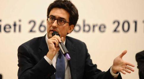Rieti, gaffe su facebook del neodeputato reatino Fusacchia, Dagospia non perdona e rilancia il caso social sul suo sito