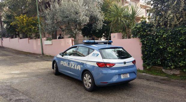 e66fd29f959e Rapina in villa a Ciampino, marito e moglie ostaggio di 3 uomini armati:  pistole alla testa