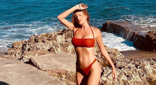 Alessia Marcuzzi, la foto hot fa impazzire Instagram: e piovono commenti vip