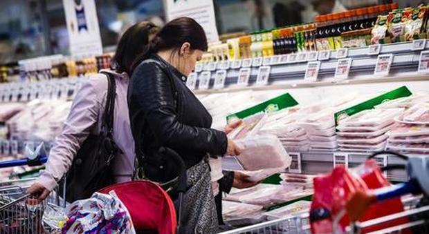Istat, rallenta ancora l'inflazione: -0,1 a giugno