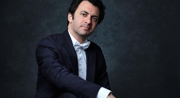Il maestro Alejo Pérez