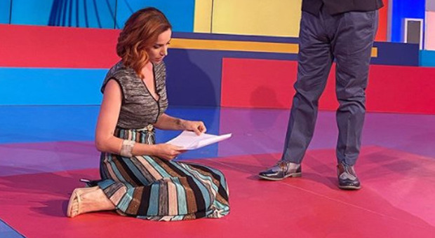 Andrea Delogu crolla alla Vita in Diretta, Marcello Masi la aiuta. «Grazie al collega del cuore»