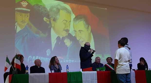 Rieti, Capitano Ultimo e la sua esperienzanella lotta contro la mafiaincantano gli studenti a Contigliano / Foto - Il Messaggero