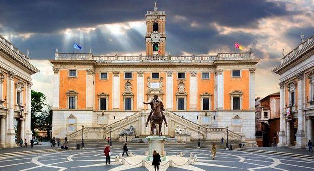 Roma, la giunta Raggi sblocca il concorsone: «Entro l'anno 485 assunzioni in Campidoglio»