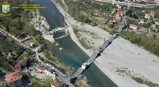 Ponte crollato Aulla incidente che imbarazza M5S, sponsor della norma anti-Atlantia