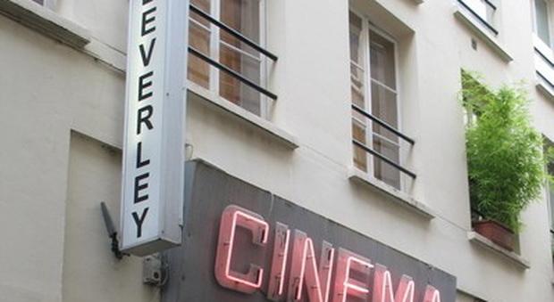 Si spengono le luci sul porno, Parigi chiude l&acuteultimo cinema