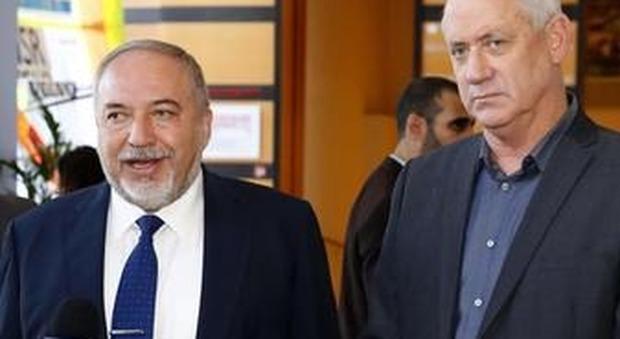 Gantz, a destra, con Lieberman