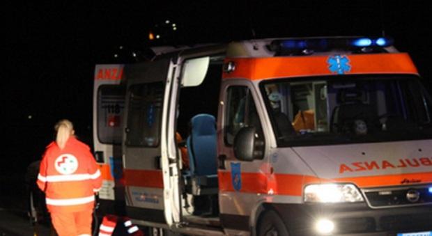 Roma, automobilista accoltellato durante lite per la viabilità: è in fin di vita