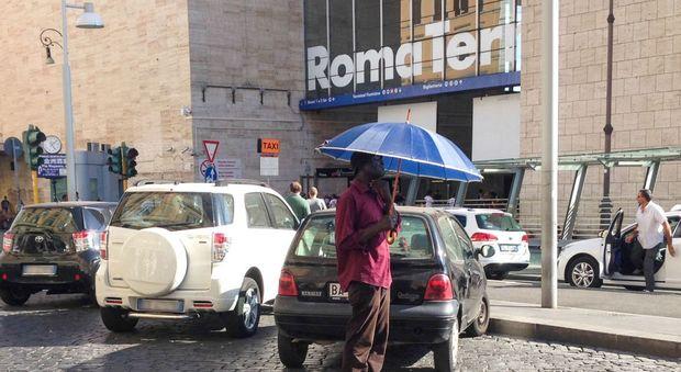 Roma, nigeriano fermato a Termini: in tasca aveva 17 bustine di marijuana