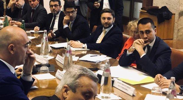 Famiglia, Di Maio: «Modello è Francia, sconti su asili, baby sitter e pannolini»