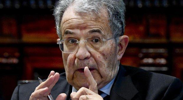 """Romano Prodi propone una """"coalizione Orsola"""": due congressi e un conclave per costruire un esecutivo"""
