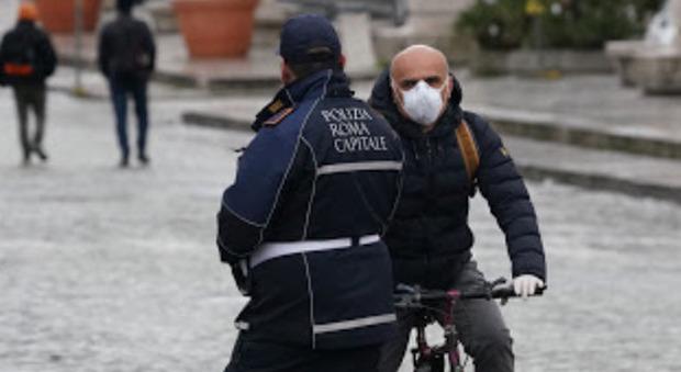 Roma, gli agenti negazionisti vengano sanzionati