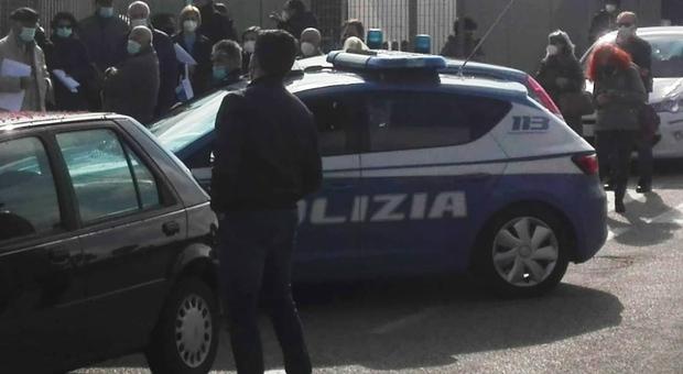 Roma, bidello abusa di una ragazzina a scuola: arrestato per violenza sessuale