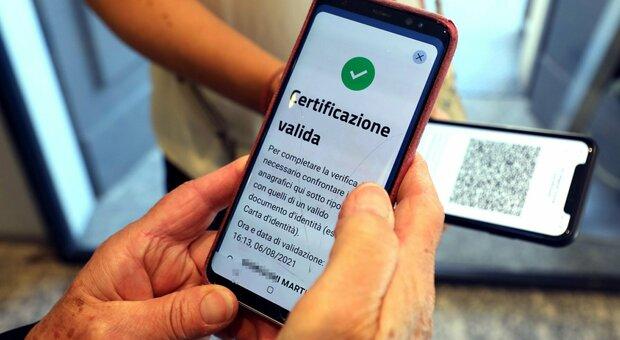 Sicilia, sospesa ordinanza su obbligo green pass negli uffici pubblici