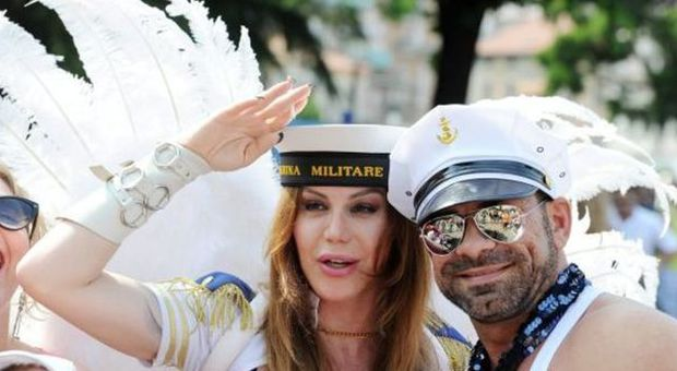 Gay sesso in il Navy