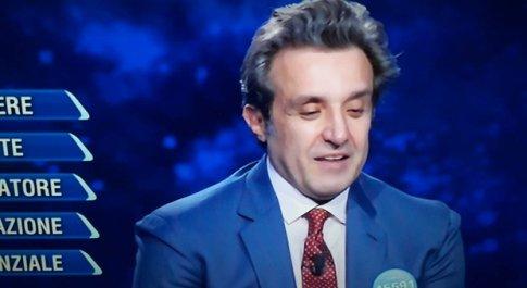L'Eredità, la confessione inaspettata di Flavio Insinna in diretta: «So bene cosa significa...». Commozione in studio