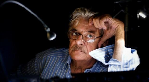 Sostenibilità, Giancarlo Giannini attore e perito elettronico: «Io riparo tutto da solo. La casa nasconde dei tesori»