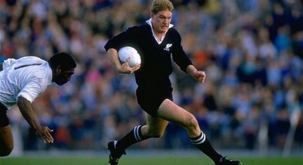 """Rugby, l'asso degli All Blacks presidente della """"Dante Alighieri"""": John Kirwan diffonde la lingua italiana a Auckland"""