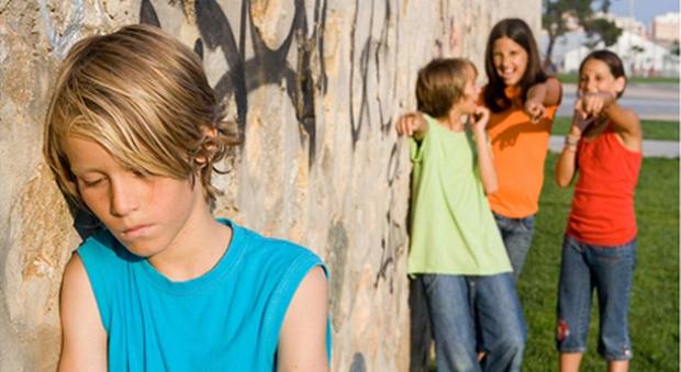 Lille, si suicida perché vittima di bullismo a scuola: i genitori pubblicano il suo diario segreto