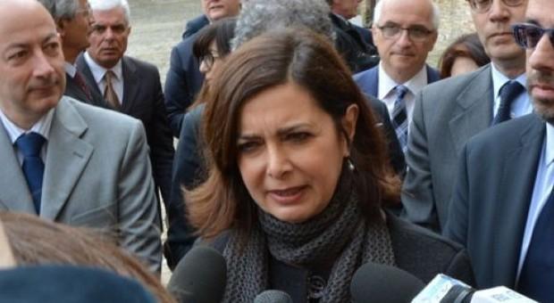 Terremoto la presidente della camera boldrini a pranzo for Presidente della camera attuale