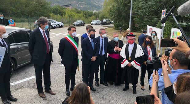 Il premier Giuseppe Conte: «Dobbiamo investire sui nostri giovani»