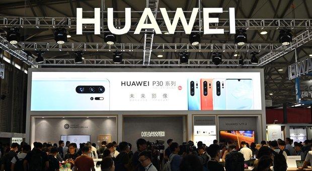 Huawei sperimenta il suo sistema operativo con Xiaomi, Oppo e Vivo
