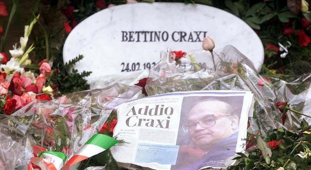 La Lega rivaluta Bettino Craxi: anche Salvini tentato dall'omaggio sulla tomba ad Hammamet