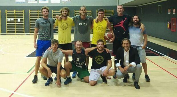 Dalla pedana al campetto,Tamberi gioca a basket fino a tarda notte a Rovereto