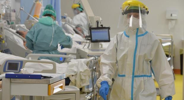 Coronavirus, Abruzzo fuori dalla fascia rossa prima del 10 dicembre: Marsilio ci prova